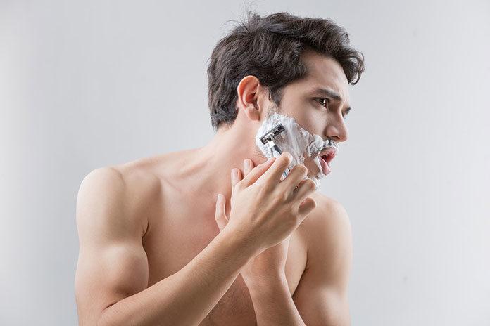 5 błędów, które popełniasz w trakcie golenia twarzy