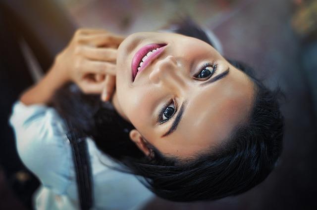 Piękna dzięki makijażowi