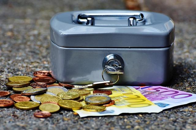Czy opłaca się zaciągać kredyty na małe kwoty?